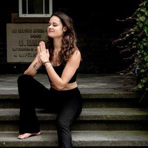 Lees meer over het artikel #5 Hoe je dankzij yoga sneller herstelt